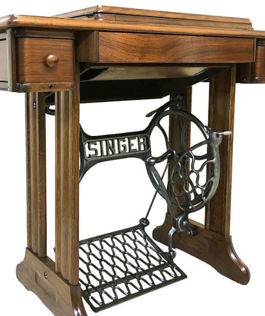 מכונת תפירה מונעת רגל אדם